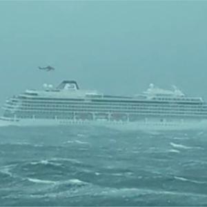 Συνεχίζεται το θρίλερ με το κρουαζιερόπλοιο στη Νορβηγία: Έχουν μεταφερθεί 440 άτομα από τα 1.300