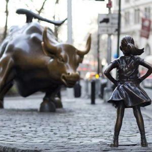 Οι Φόβοι Ύφεσης Πιέζουν Τη Wall Street