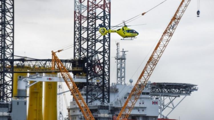 Ιταλία: Κατέρρευσε γερανός σε υπεράκτια εξέδρα άντλησης πετρελαίου – Αγνοείται ο χειριστής του