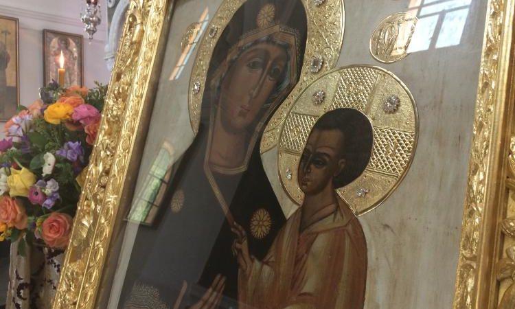 Όλα τα ανθρώπινα κάστρα έπεσαν σήμερα, μόνο η ΠΑΝΑΓΙΑ με τον ΑΚΑΘΙΣΤΟ ΥΜΝΟ σώζει τα ΤΕΙΧΗ της Ελλάδος.
