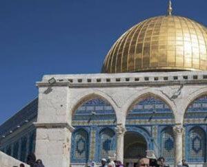 Οι ομορφοι Ναοι Ομορφα καιγονται .., Μια πυρκαγιά ξέσπασε στο τζαμί al-Aqsa στην Ιερουσαλήμ