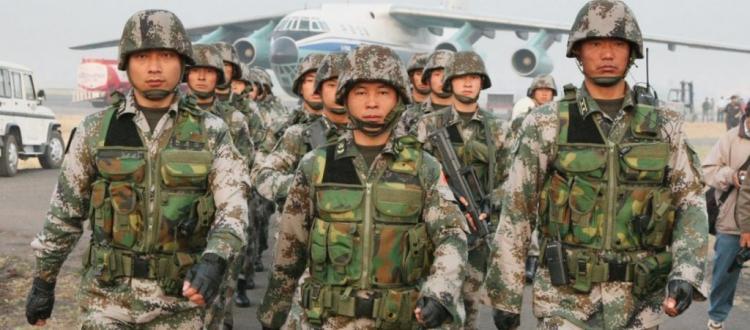 Μετά την Μόσχα και το Πεκίνο στέλνει στρατεύματα στην Βενεζουέλα: Οι 2 υπερδυνάμεις έξω από την «πόρτα» των ΗΠΑ