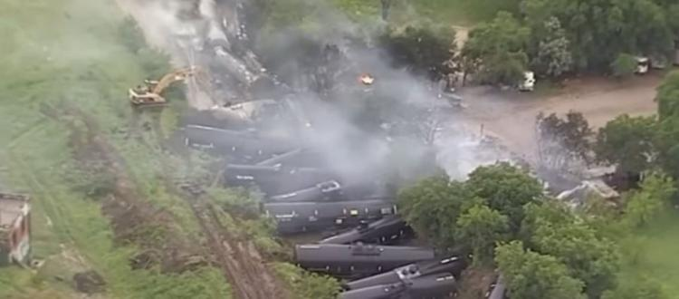 Συναγερμός στο Τέξας – Εκτροχιάστηκε τρένο που μετέφερε αιθανόλη
