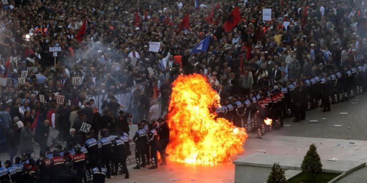 ΞΥΠΝΑΤΕ: ο Σέρβος ΥΠΑΜ προειδοποιεί τον Έλληνα ΥΠΑΜ με λόγια του ΑΓΙΟΥ ΠΑΙΣΙΟΥ « από την Αλβανία  είναι η ΑΠΕΙΛΗ»