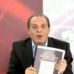 Εξαλλος ο Βελόπουλος με το τρολάρισμα για τις επιστολές του Χριστού (Βιντεο)