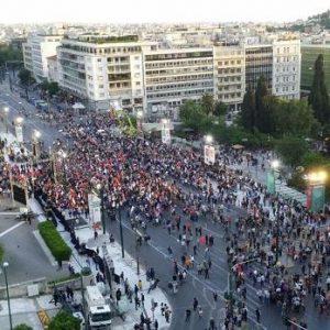 Πανωλεθρία για τον Τσίπρα: Σε άδειο Σύνταγμα η ομιλία του – Άργησε δύο ώρες να εμφανιστεί!