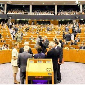 Ως μια κατηγορία Ευρωπαίων αξιωματούχων που αρμέγει την Ευρώπη