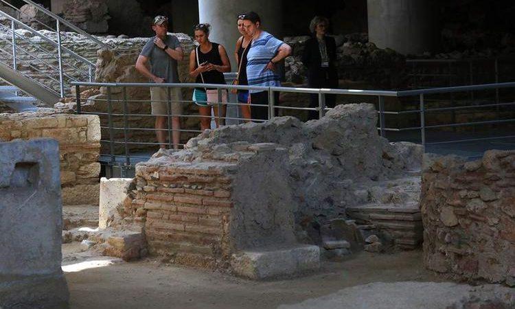 Άνοιξε για το κοινό η αρχαία γειτονιά κάτω από το μουσείο της Ακρόπολης (φωτογραφίες)