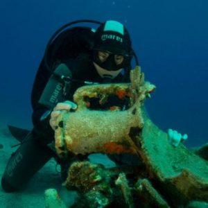 Βρέθηκαν Εκπληκτικοί Θησαυροί στη Λέβιθα από «Πλοίο Κολοσσιαίων Διαστάσεων»