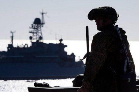 Συναγερμός στη Μαύρη θάλασσα – Αμερικανικό πλοίο σε περιοχή ελέγχου της Ρωσίας