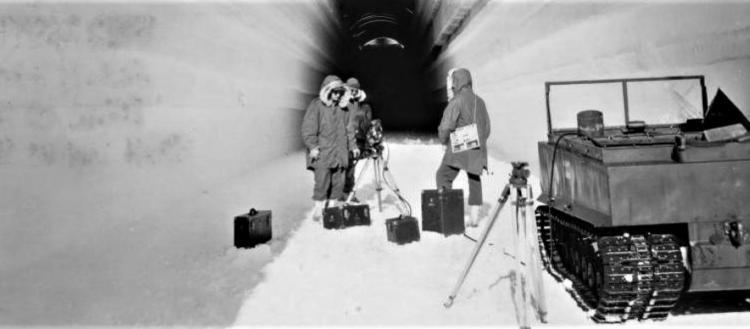 Γιατί οι ΗΠΑ θέλουν να αγοράσουν την Γροιλανδία: Η ιστορία της μυστικής βάσης πυρηνικών πυραύλων (βίντεο)