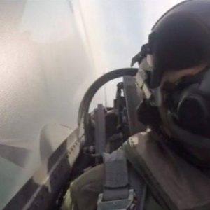 Συγκίνησε ο πιλότος του F-16 της ομάδας Ζευς: Τούτος ο λαός δεν γονατίζει παρά μόνο μπροστά στους νεκρούς του