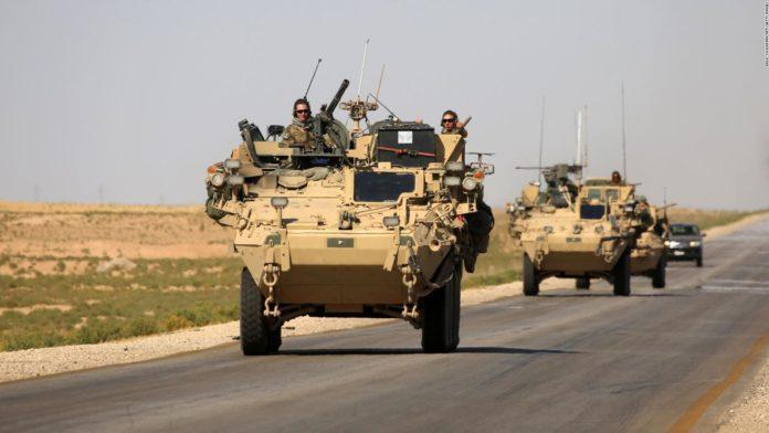 «Οι ΗΠΑ επιστρέφουν με δυνάμεις και εφόδια στη ΒΑ Συρία», μεταδίδει ο τουρκικός Τύπος.
