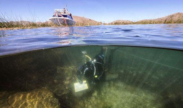Αρχαιολογικό σοκ: Οι επιστήμονες έχουν ενθουσιαστεί από την ανακάλυψη στο κάτω μέρος της αρχαίας λίμνης.