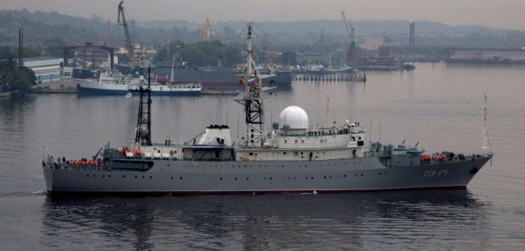 Το ρωσικό πλοίο κατασκοπείας παραμονεύει από τις ακτές των ΗΠΑ και διεξάγει «μη ασφαλή λειτουργία».