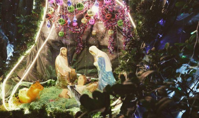 «Εργαλειοποιούν» την γέννηση του Χριστού: Ακολουθούν την παγκόσμια διδαχή του Πάπα – Θλιβερές εικόνες