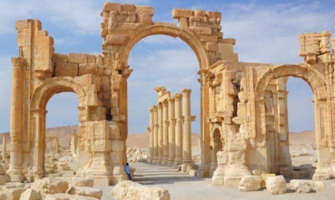 Ρωσία, ΟΗΕ, Συρία ανακατασκευάζουν παγανιστικό ναό του Βαάλ στην Παλμύρα εκπληρώνοντας προφητεία για την εμφάνιση του Μεσσία.