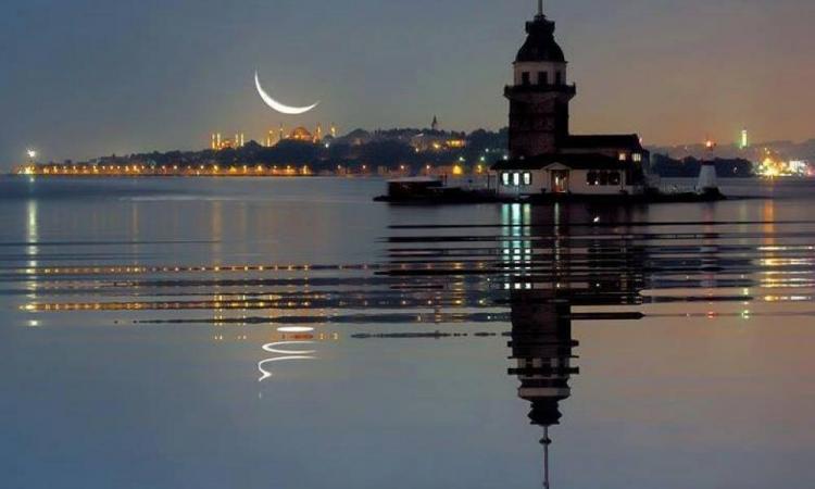 Κάποια νύχτα με  ΟΡΘΙΟ φεγγάρι ο τούρκος δεν θα κοιμηθεί και θα κάνει σάλτο μέσα στην ιστορία του ,τότε ότι κάνει η ΠΑΝΑΓΙΑ ,οι Άγιοι, οι ήρωες και ο στρατός μας.