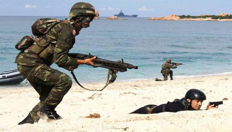 Η τουρκία στέλνει μήνυμα ανήμερα των ΙΜΙΩΝ αποβιβάζοντας τακτικό της στρατό στην Λιβύη. Εμείς το πήραμε ;