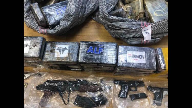 Οι πρώτες εικόνες από τον ένα τόνο κοκαΐνης που εισήχθη στον Αστακό