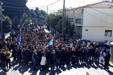 Ζητούν άνδρες που θα υπερασπιστούν το νησί τους  από τους τούρκους και όχι να χτυπούν Έλληνες ακρίτες;
