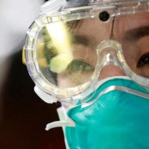 Τι συμβαίνει με αυτό τον φονικό ιό; Αυτοί που εξετάζονται αρνητικά για τον κοροναϊό τελικά μπορούν να αρρωστήσουν;