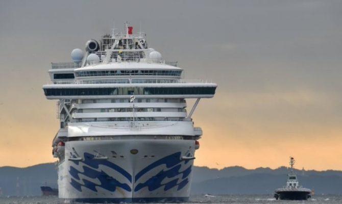 Κορωνοϊός: Ανέβασαν πυρετό άλλοι 100 επιβάτες του κρουαζιερόπλοιου που είναι σε καραντίνα στην Ιαπωνία