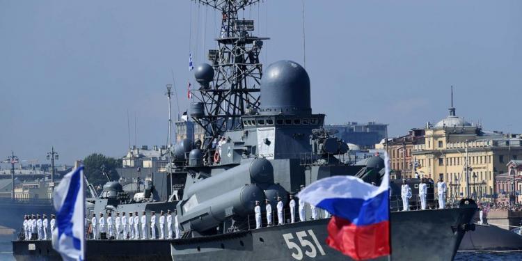 Συναγερμός στο ΝΑΤΟ μετά από «ασυνήθιστη ρωσική δραστηριότητα» στη Βόρεια Θάλασσα.