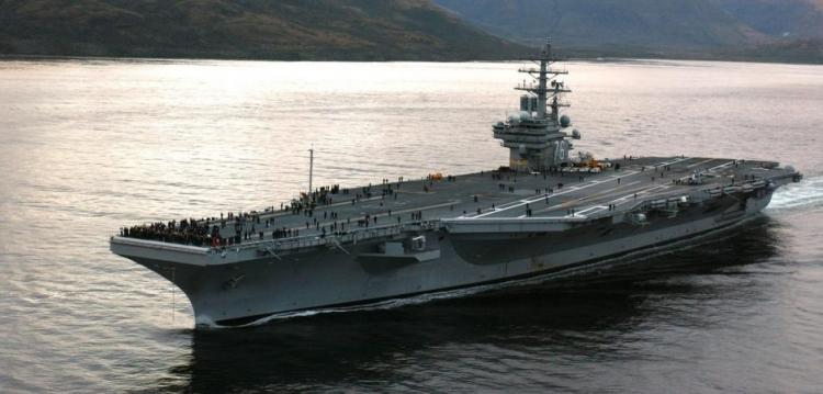 O Κoρωνοϊός Πλήττει τον Αμερικανικό Στόλο Δεύτερο Αεροπλανοφόρο και Βάση στην Ιαπωνία