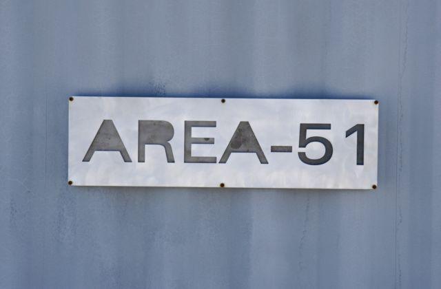 Μπέντζαμιν Φούλφορντ: Η περιοχή 51 καταστράφηκε καθώς εντείνεται ο μυστικός πόλεμος.