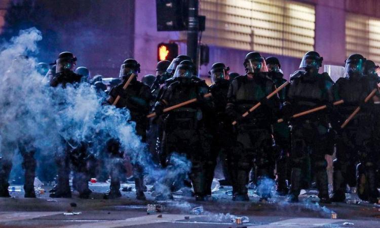 Οργανωμένες ταραχές;