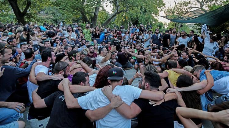 """Την """"κόβουν"""" και αυτή τη χαρά του Έλληνα – Προ των πυλών η απαγόρευση των πανηγυριών;"""