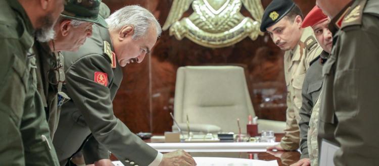 Οι ΗΠΑ επιχειρούν να σταματήσουν την διχοτόμηση της Λιβύης & απειλούν τον Χ.Χάφταρ: «Παρέδωσε τις πετρελαιοπηγές»