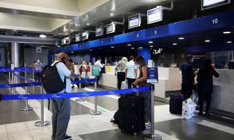 Οι πρώτες πτήσεις δεν άλλαξαν τα δεδομένα στον τουρισμό.