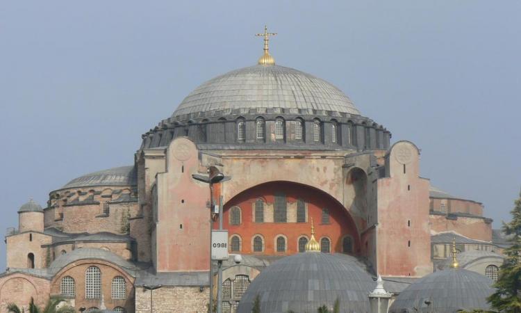 EKTAKTO : Τεράστιες ποσότητες Χρυσού και ασημιού κάτω από την Αγιά Σοφιά κι ακόμα ένας υπόγειος ναός . Αυτοί είναι οι λόγοι της Ιεροσυλίας