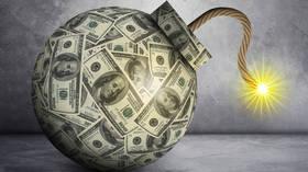 Τέλος παιχνιδιού για την Αμερική: Το δολάριο κυριολεκτικά είναι μία βόμβα που θα μπορούσε να εκραγεί οποιαδήποτε μέρα, προειδοποιεί ο Peter Schiff.