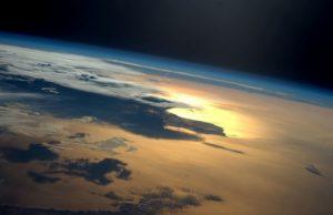 Γιατί πάνω από την Ελλάδα υπάρχει πάντα ένα φως; Η NASA προβληματίζεται