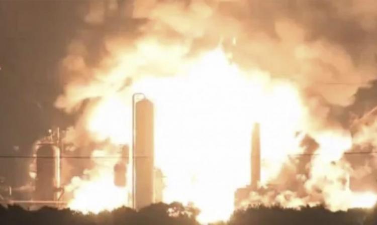 Τι συμβαίνει με όλες αυτές τις γιγαντιαίες εκρήξεις και πυρκαγιές σε όλο τον κόσμο τις τελευταίες μέρες; Δεν υπάρχουν συμπτώσεις το 2020.
