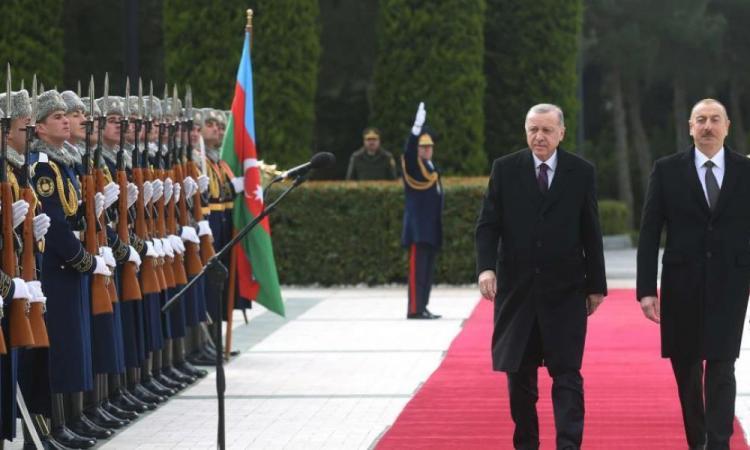 """Η Τουρκία """"σιγοντάρει"""" τους Αζέρους: Επόμενος στόχος της Άγκυρας ο Καύκασος."""