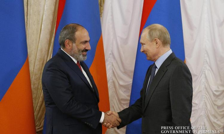 """'Πυρ και μανία"""" ο Αρμένιος Πρωθυπουργός: Ζήτησε παρέμβαση Β. Πούτιν."""