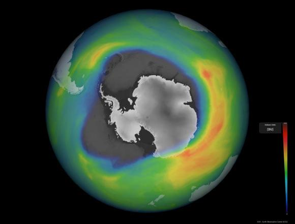 Μια ακόμη ανωμαλία του 2020: Η τρύπα του όζοντος πάνω από την Ανταρκτική είναι μέγιστη και είναι μια από τις μεγαλύτερες και βαθύτερες τα τελευταία χρόνια.