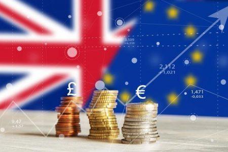 Στα 740 δισ. ευρώ (ετησίως) το «αντίτιμο» του Brexit χωρίς συμφωνία.