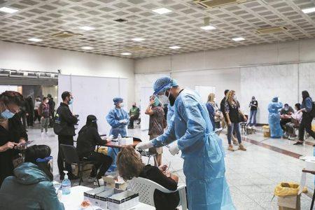 Γενικό lockdown στα 2.000 κρούσματα – H μάσκα τελευταίο ανάχωμα.