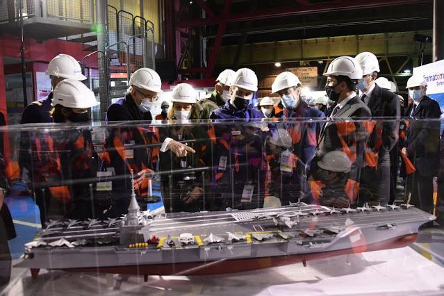 Η Γαλλία κατασκευάζει νέο αεροπλανοφόρο, θα κινείται με πυρηνική ενέργεια.