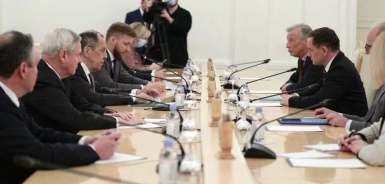 «ΤΡΟΜΟΣ» με την συνάντηση που έγινε στην Μόσχα