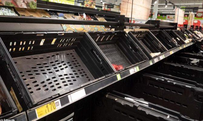 Βρετανία : Χαμός στα σούπερ μάρκετ μετά την ευρωπαϊκή καραντίνα της χώρας