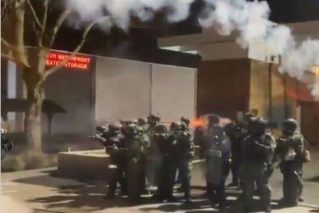 Πόλεμος στο Πόρτλαντ. Στρατός κατά διαδηλωτών στην Μεγαλύτερη Δημοκτατορία του Κόσμου……..