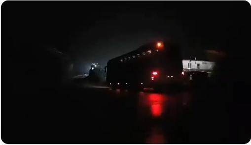ΒΙΝΤΕΟ-ΝΤΟΚΟΥΜΕΝΤΟ! ΜΕΤΕΦΕΡΑΝ μέσα στη νύχτα (και με …σβηστά τα φώτα) μετανάστες στην Ορεστιάδα