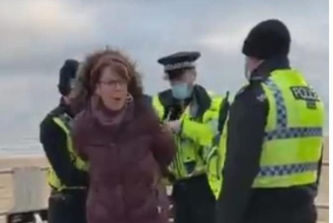 Χειροπέδες στους ΠΑΡΑΒΑΤΕΣ του lockdown! Ασύλληπτες εικόνες δίχως να αντιδρά κανείς! – ΒΙΝΤΕO
