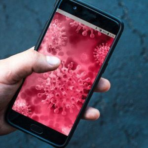 Κορωνοϊός: Πλησιάσατε κρούσμα στα 2 μέτρα; Έρχεται εφαρμογή ιχνηλάτησης στα κινητά